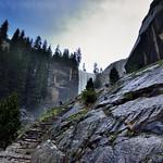 Hiking Up to Vernal Fall (Yosemite National Park) thumbnail
