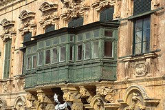VALLETTA WINDOWS (patrick555666751) Tags: valletta windows fenetre finestre ventana fenster la valette malte malta europe europa mediterranee mediterraneo mediterranean flickr heart group fenetres window vallettawindows