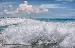 ESPUMA. (manxelalvarez) Tags: espuma olas ondas litoral costa nubes cielos paisajes fotosconmovimiento