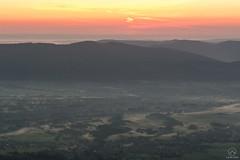 Wschodzące słońce nad Beskidem Małym (czargor) Tags: wschód sunrise mountains landscape