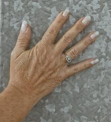 Hands (Steenvoorde Leen - 4 ml views) Tags: 2017 doorn utrechtseheuvelrug hands handen nagels nails fingers girl