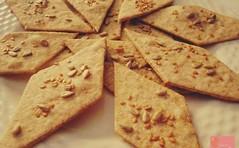 La ricetta dei buonissimi e leggerissimi crackers integrali da fare in casa (RicetteItalia) Tags: alimentazione ricette light salute