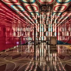 Universita 11 (isnogud_CT) Tags: universita pop neapel italien ubahn underground statione bahnhof treppe linea 1