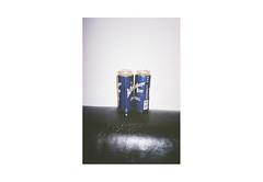(harald wawrzyniak) Tags: analogue analog film scan haraldwawrzyniak harald wawrzyniak 2017 fuji yashica t5 carlzeiss beer beers bier wieselburger blue drink
