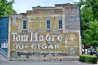 Tom Moore 10 Cent Cigar - Hot Springs,Arkansas