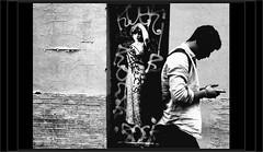 Bonjour... (mamasuco) Tags: nikon d7000 paris graffitis leoetpipo noiretblanc