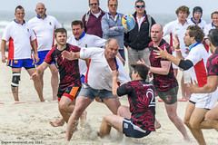 H6G64085 Ameland Invites v Baba Bandits (KevinScott.Org) Tags: kevinscottorg kevinscott rugby rc rfc beachrugby ameland abrf17 2017 vets veterans netherlands