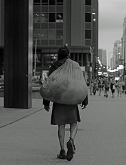 Homeless - Downtown Chicago - 20 July 2017 - 80D - 099 (Andre's Street Photography) Tags: homeless chicago downtown loop innercity people city urban michiganavenue kilt possessions bag poverty streetlife urbanlife street straat chitown lifeonthestreet urbanpoor streetphotography straatfotografie stad stadt ville town usa america fotografiadistrada strasse strada lacelle larue zwartwit bw bwphotography blackandwhite schwarzweiss noiretblanc blancoynegro blancoenero photobyandrevanvegten aroundillinois dedeka chicagotribune chicagojournal chicagomagazine chicagoreader chicagoist tributetoedvanderelsken roberrtfranksworld vivianmaiersstyle dedicatedtodianearbus chicagostreets chicagostreetphotographer dutchstreetphotographer chicagocapture homelesspeople