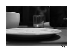 PPGdP - S29 - Petit déjeuner (gravelin.yves) Tags: ppgdp assiette bol verre objets naturemorte