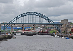 Tyne Bridges (Halliwell_Michael ## Thanks you for your visits #) Tags: northumberland nikond40x 2017 newcastleupontyne rivertyne bridges tynebridge bridge city cities cityscape landscapes arch greyday