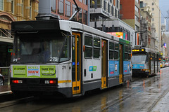 275, Flinders Street, Melbourne, September 15th 2016 (Southsea_Matt) Tags: 275 aclass flindersstreet comeng ptv yarratrams melbourne victoria australia september 2016 spring canon 60d 1855mm publictransport passengertransport vehicle tram metro rail lightrail