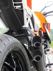 KTM Super Duke 1290 (5) (elgaspoo) Tags: ktm super duke 1290 hurric bike auspuff motorrad orange weiss