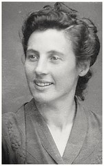 here 26 Years - from 24.06.1948 - 69 Years ago (eagle1effi) Tags: olga lock effinger 1922 1948 2017 album archive face foto mom