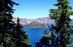 Crater Lake NP, Wizard Island, OR 9-06 (inkknife_2000 (8 million views +)) Tags: craterlakenationalpark nationalparks usa parks oregon dgrahamphoto wizardisland landscapes volcano bluewater trees islands