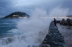 golpe de mar (eduardo menéndez) Tags: sea seaview mar wave ola donosti