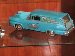 1955 Ford Courier Tin Toy (Hugo-90) Tags: fifties ford customline tin toy model car gilmore museum hickorycorners michigan 1955 courier panel truck sedan delivery