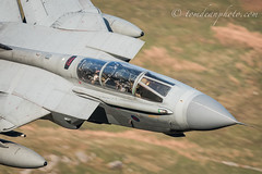 VOODOO (Tom Dean.) Tags: cadair idris evening 31squadron golden machloop cad mountains cadwest hour 500mm office tornado crew wales nikond810 cockpit marham goldstars gr4 voodoo