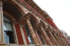 Londra, 2017 (ale66lo) Tags: londra london gran bretagna england inghilterra canon eos europa europe victoria albert museum windows finestre archi