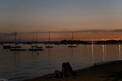 Coucher de soleil sur Andernos-les-Bains (Mystycat =^..^=) Tags: coucherdesoleil sunset tramonto andernoslesbains france aquitaine gironde bassindarcachon port bateaux voiliers silhouettes personnes soir atardecer