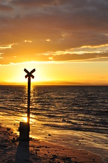 DSC_0215 (daviemoran1) Tags: scotland moray findhorn sea coast beach cross halo sunset clouds scenic sand yellow golden tide waves