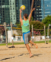 2017-08-25 BBV Coed Doubles (1) (cmfgu) Tags: craigfildespixelscom craigfildesfineartamericacom baltimore beach volleyball bbv md maryland innerharbor rashfield sand sports court net ball outdoor league athlete athletics sweat tan game match people play player doubles twos 2s coed