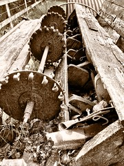 Cogs of life (Deydodoe) Tags: burley newforest 2017 iphone england unitedkingdom greatbritain britain ploughing plough machinery corrosion rust rusted rusty farming farm agricultural agriculture mechanics mechanical machine sepia