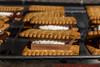 S'Mores (Stefan's Gartenbahn) Tags: food essen nachtisch smore smores butterkeks schokolade vollmilch zartbitter keks marshmallow marshmallows schweinefilet gefüllt salbei mozzarella champis champions zuchini tomate knoblauch knoblauchcreme paprika grillen gegrillt grill