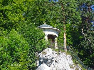 Schwabenalb - Schwäbische Alb > Naturpark Obere Donau - Soldatenfriedhof Gedenkstätte / Swabian Alb> Upper Danube Nature Park