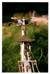 velofilm (GastonGraphy) Tags: film argentique filmcamera canon nature velo bycicle bokeh old sunnyday