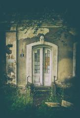 Door (jaceek81) Tags: door drzwi pałac architektura biecz lubuskie polska poland