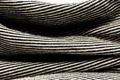 Plis Tee-shirt (Enzo R.) Tags: teeshirt abstract black white blanc noir lines lignes plis vêtement clothing