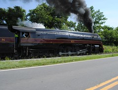 Showtime (Joseph S. Randall) Tags: vmt norfolksouthern streamliner frontroyal norfolkwestern 484 nw 611 virginia railfanning