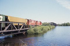GB&W C430 #315 at Wisconsin Rapids on 5-22-76 (LE_Irvin) Tags: c424 gbw wisconsinrapids