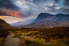 (Joe Hayhurst) Tags: buachailleetivemor dawn glencoe hiking hill hills landscape morning mountain scotland sky sunrise walking