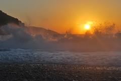 Kefalonia : Sunset on Myrtos (Christophe Rose) Tags: greece sunset céphalonie kefalonia ελλάδα plage myrtos vague mer ionianislands κεφαλονιά μύρτοσ beach sea wave nikon d60 nikonpassion christopherose christophe rosé flickr ελλαδαhellas îlesioniennes ιόνιανησιά
