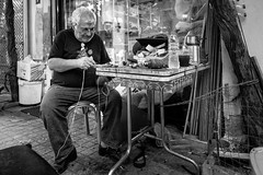 Thessaloniki, street photography (Andreas Mamoukas) Tags: thessaloniki macedonia greece street streetphotography nikon d7200 tokina1116 macedoniagreece makedonia timeless macedonian macédoine mazedonien μακεδονια