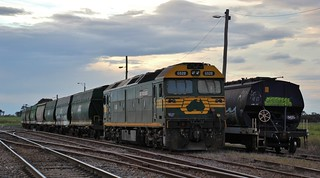 G520 is stabled with the grain wagons in Murtoa yard