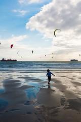 Liberté  Le Havre 2017 (Elisa.z) Tags: 1022mm 2017 bateau canon70d ciel coucherdesoleil enfant kitesurf lehavre normandie nuages plage reflets sable sport streetphotography