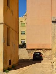 Trapani / Sicily / Colors (Pantchoa) Tags: trapani ville maisons architecture façades couleurs sicile europe méditerranée port nikon d7100 1685mm automobile voiture