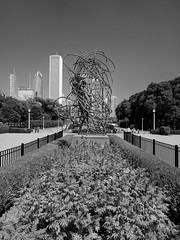 Sculpture (ancientlives) Tags: chicago illinois il usa buckinghamfountain publicart art modernart sculpture walking streetphotography blackandwhite bw mono monochrome skyline skyscrapers monday september 2017 summer