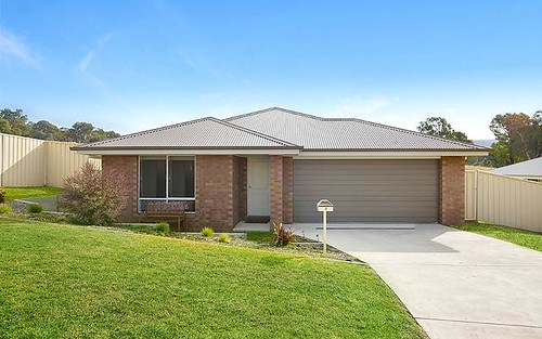 8 Harry Crescent, Hamilton Valley NSW