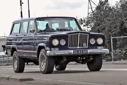 Kaiser-JEEP Wagoneer 1966* (0990)