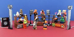 Bō fight😤 (Alex THELEGOFAN) Tags: lego legography minifigure minifigures minifig minifigurine minifigs minifigurines rey deathstroke fight arena joker harley quinn alien monster deadshot slipknot killer croc captain boomerang suicide squad c3po bb8 chewbacca star wars
