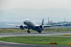 Air France F-GZNT @KIX (kuni4400) Tags: airfrance af afr fgznt b77w skyteam kix rjbb aircraft airplane a6000 sigmac015