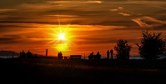 Sunset :  A photographer's canvas (Christie : Colour & Light Collection) Tags: coucher soleil coucherdusoleil sundown twilight orange people romantic romance fraserriver river night evening richmond silhouettes silhouette art mesmerized photographer camera fave explore dusk