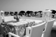 vista sul mare (paoloagosti) Tags: lignano sea sabbiadoro holiday blackandwhite black white xt20 xf18135 fuji fujifilm fvg friuli monochrome mare vacanze vacanza chair xt