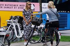 ... (os♥to) Tags: sony alpha77ii a77ii ilca77m2 august2017 bike bicycle cykel fahrrad bici vélo velo bicicleta fietssykkel rower street candid streetphotography people