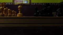 Juego de Ajedrez (Juan Antonio Xic Eseyosoyese) Tags: juego de ajedrez blancas versus negras jugadas encuentro amistoso casa yo contra mi hermano defensa capablanca tablero piezas peón caballo madera alfil torre dama rey chess canon vida cotidiana inicio ciencia
