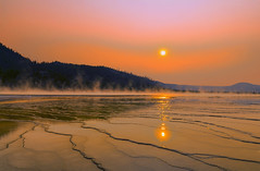 Grand Prismatic Spring (Le D.2) Tags: yellowstone national park grand prismatic hotspring mineral steam sony alpha7rii wyoming montana