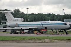 Gromov Air Tu-154 RA-85486 under maintenance (Craig S Martin) Tags: moscow russia airport domodedovo dme uudd soviet tupolev tu154 ra85486 aircraft aeroplane jet airliner maintenance aviation gromov air tu154b2 gromovair